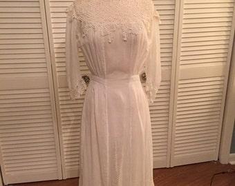 1916 Edwardian cotton lawn dress