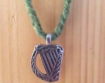 Braided harp necklace