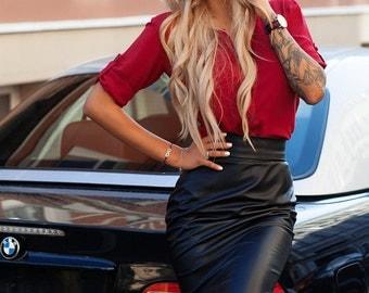 Leather skirt. Pencil skirt. Black skirt.