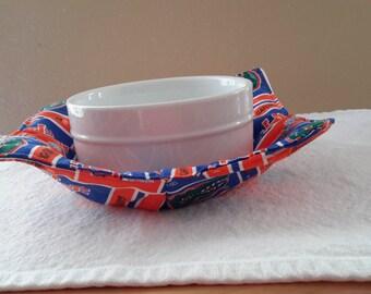 Gator Microwave Bowl Potholder
