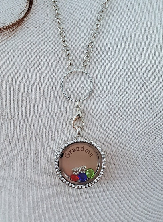 Grandma Memory Locket / Gifts for Grandma / Gift for Grandmother / Living Locket / Grandma Locket / Grandma Necklace