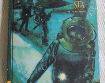Vintage 20,000 Leagues Under The Sea Book by Jules Verne, 1968