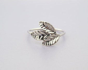 Leaf ring, silver leaf ring, Leaves ring in silver, Silver ring, leaves ring, friendship ring, natural floral Ring, Gift.
