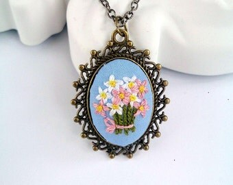 Flower daisy necklace Embroidered necklace Embroidered jewelry Statement necklace Vintage style long pendant necklace
