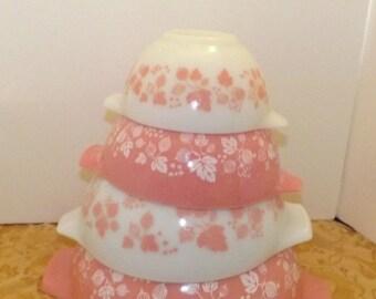 Pyrex Cinderella Mixing Bowl Set Gooseberry Pink  4 Nesting Bowls