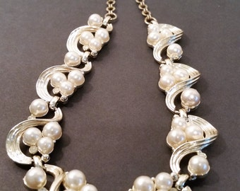 Classy Vintage Pearl Choker