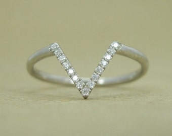 Chevron Diamond Ring, Curved Wedding Band, Pave V Ring, Diamond V Shape Ring, Diamond Stacking Ring, Dainty Simple Diamond Stacking Ring