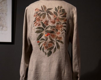 Women's blouse with a drawing of a rowan, grey natural color