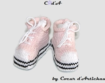 Slippers and high top Shoes Sneakers/size pink baby 0/3 months/baby slippers