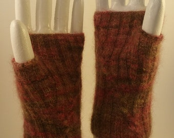 Cabled fingerless gloves - one size fits most