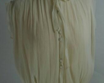 Charming Vintage Sleeveless Blouse