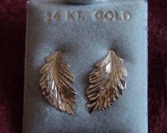 vintage 14 K Gold   earrings