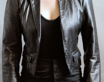 Vintage Wilsons fitted and cropped black leather jacket