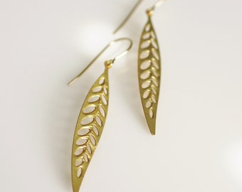 gold leaf earrings, leaf earrings, nature jewelry, gold earrings
