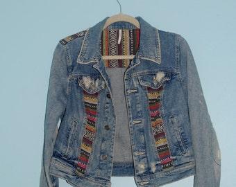 patterend jean jacket.  size: 6