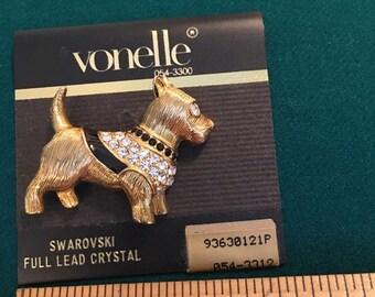 Vonelle dog brooch