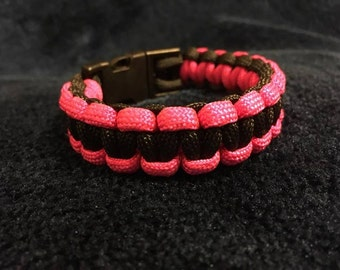 Adult paracord bracelet