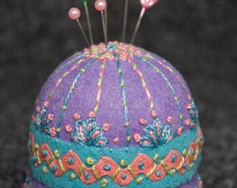 FREE SHIP Spring Garden Jumbo Bottlecap Pincushion