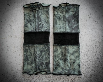 W09 - Arm Warmers Ooak Military green Wasteland Grunge Post Apocalyptic Alternative Dystopian Accessories