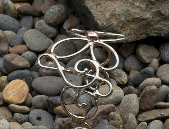 Treble clef note Curly Metal Bracelet