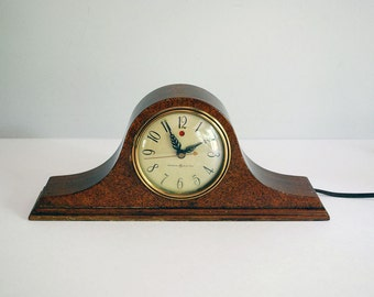 1940s Mantle Clock, Mahogany Shelf Clock, General Electric Telechron Model 3H06 Pristine, Vintage Electronics, Red Dot Clock, Tambour Style