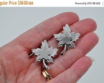 Vintage Monet Silver Maple Leaf Clip Earrings, Shiny & Textured, Leaves, Autumn, Fall, Fabulous! #b621