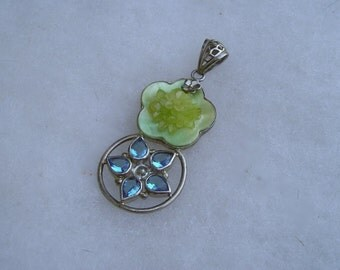 Sterling Silver 925 Blue Topaz & Mother of Pearl Flower Pendant