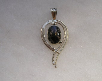 Pretty Sterling Silver 925 Black Stone Pendant