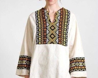 ON SALE Tunic Folk Shirt . Vintage Hippie Top