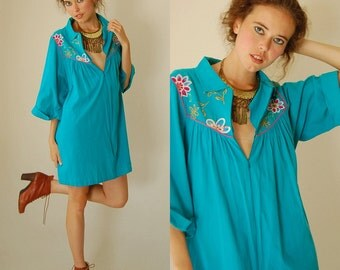 Vintage 70s Turquoise Blue Embroidered Floral Mexicana Hippie Tent Mini Dress (m l)