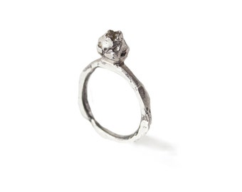 Sterling silver ring with tiny raw diamond / One of a kind ring / Minimal Ring / Unrefined ring