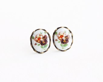 Flower Post Earrings Vintage Small Plum Floral Cameo Studs Hypoallergenic Victorian Jewelry Glass Cameo Earrings Cute Bouquet Jewelry