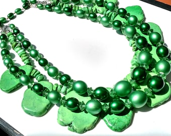Fresh Green 1950 Vintage beads with semi precious turquoise howlite stones necklace