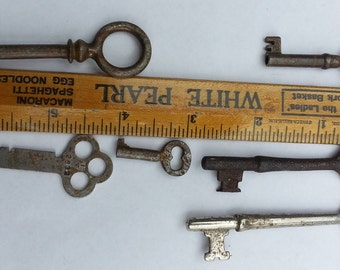 Antique Skeleton Metal Keys Lot Sewing Key,Door Key,Stampford,Skeleton Key,