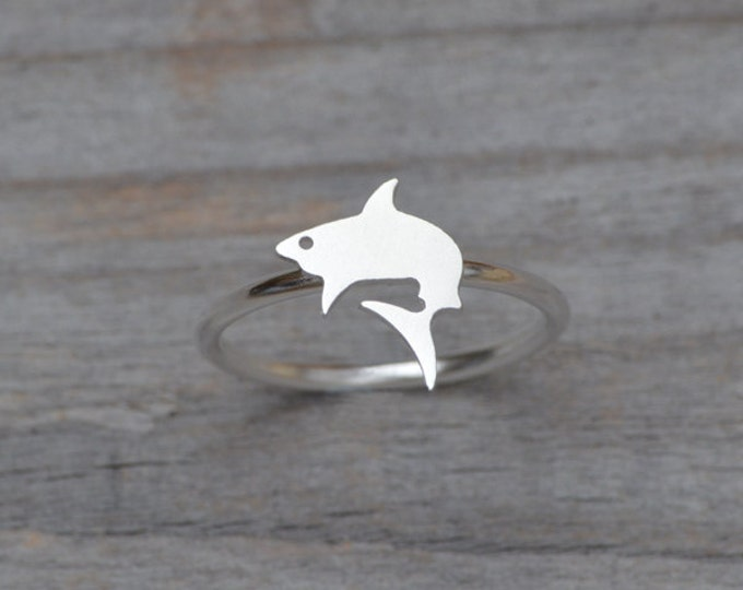 Shark Ring In Sterling Silver, Stackable Animal Ring