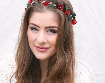 Woodland Flower Crown Rustic Wedding Wreath of Green Velvet Leaves and Red Berries, Holiday Flower Crown Halo Floral Headpiece