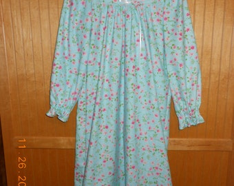 Size 10 nightgown flowers