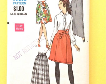 1960s Vogue 7376 MISSES' SKIRT. Five panel skirt in evening, midi  engths Straight scalloped corded hemline  Waist 24 Vintage Sewing Pattern