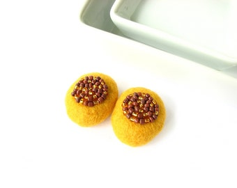 Felted wool pebbles // wool beads  decorated with seed beads // yellow//  Autumn jewerly, rustic felt ornaments, round decor, brwon mosaic