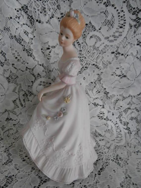 Lady caroline homco home interiors masterpiece porcelain 1993 for Home interior masterpiece figurines