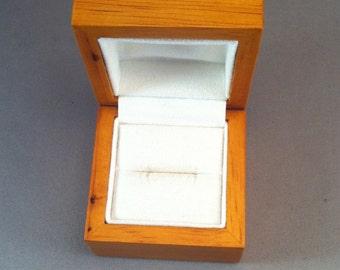 Vintage Handmade Ring Box, Lightwood Ring Boxes, Elegant Engagement Ring Box, Special Ring Box, Artisan Ring Box, Simple Wood ring Box