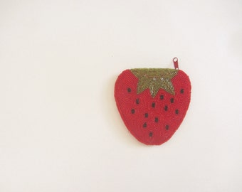 beaded strawberry change purse . hand held fruit coin pouch . kitsch food accessory