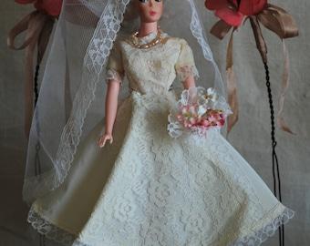 Barbie Uneeda Wendy doll, so chic bride, platinum white ponytail swirl, U mark, Barbie Bild Lilli clone