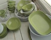 Vintage Melamine Daisy Avocado Dish Set Texas Ware Mugs Saucers Plates Bowls  52 pieces