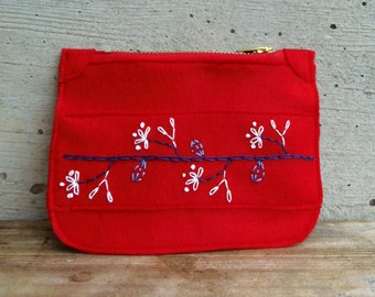 Synthetic felt coin purse with flowers. Red pouch for vegans. Embroidered pouch with flowers, folk design