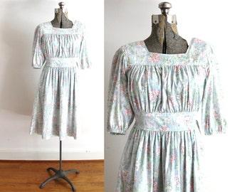 70s Boho Dress / 1970s Dress / 70s Light Floral Botanical Pastel Peasant Dress