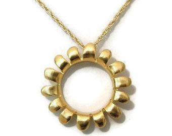 Minimalist Flower necklace -Gold platted brass,simple flower necklace, Gold flower pendant, simple elegant flower necklace, flower jewelry