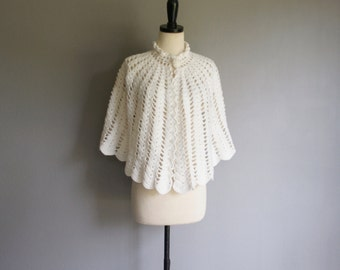 Vintage CREAM Knit Scalloped Trim Poncho CAPELET (s-m)