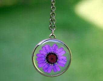 Purple Daisy Necklace, Real Flower Necklace, Purple Chrysanthemum, Botanical Jewelry, Pressed Flower Jewelry, Flor Pendant
