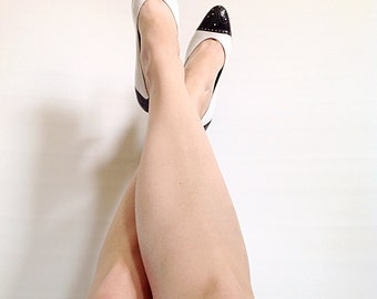 Vintage Bruno Magli White & Black Pumps with Pinhole Detail // 1980s